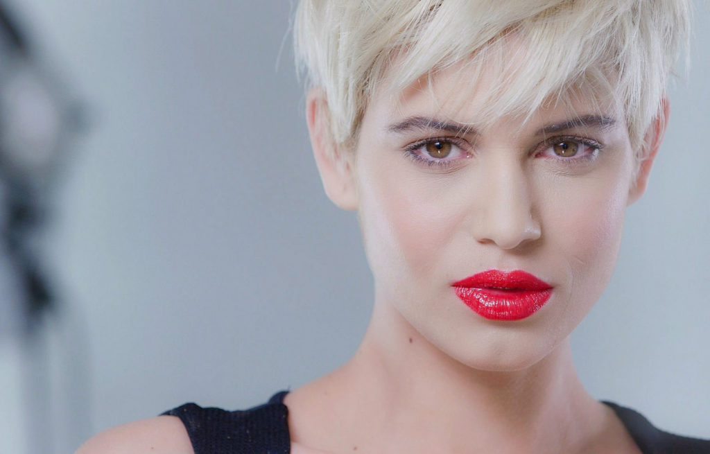 red lips on blonde model